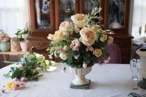 фото Искусственные цветы в интерьере от 26.03.2018 №022 - Artificial flowe - design-foto.ru