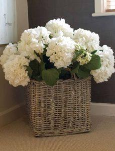 фото Искусственные цветы в интерьере от 26.03.2018 №040 - Artificial flowe - design-foto.ru