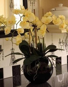 фото Искусственные цветы в интерьере от 26.03.2018 №140 - Artificial flowe - design-foto.ru