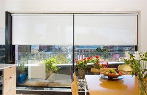 фото Рулонные жалюзи в интерьере от 17.03.2018 №072 - Roller blinds in the - design-foto.ru