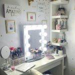 Фото Интерьер подростковой комнаты 26.06.2019 №082 - Interior teen room - design-foto.ru