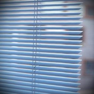 горизонтальные жалюзи в интерьере 19.09.2019 №017 - horizontal blinds in t - design-foto.ru