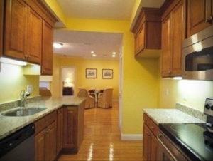 желтый цвет в интерьере кухни 09.10.2019 №054 -yellow in interior- design-foto.ru