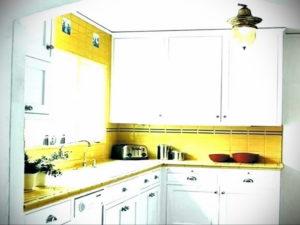 желтый цвет в интерьере кухни 09.10.2019 №057 -yellow in interior- design-foto.ru