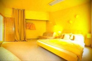 желтый цвет в интерьере спальни 09.10.2019 №031 -yellow in interior- design-foto.ru