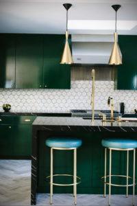 зеленая кухня в интерьере 06.10.2019 №003 -green in the interior- design-foto.ru
