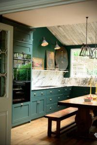 зеленая кухня в интерьере 06.10.2019 №004 -green in the interior- design-foto.ru