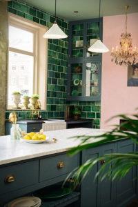зеленая кухня в интерьере 06.10.2019 №009 -green in the interior- design-foto.ru