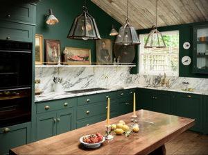зеленая кухня в интерьере 06.10.2019 №012 -green in the interior- design-foto.ru