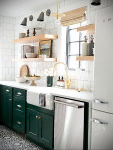 зеленая кухня в интерьере 06.10.2019 №016 -green in the interior- design-foto.ru