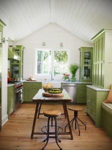 зеленая кухня в интерьере 06.10.2019 №040 -green in the interior- design-foto.ru