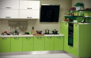 зеленая кухня в интерьере 06.10.2019 №044 -green in the interior- design-foto.ru