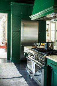 зеленая кухня в интерьере 06.10.2019 №047 -green in the interior- design-foto.ru