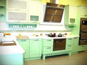зеленая кухня в интерьере 06.10.2019 №054 -green in the interior- design-foto.ru