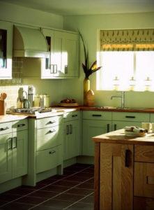 зеленая кухня в интерьере 06.10.2019 №057 -green in the interior- design-foto.ru