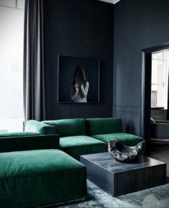 зеленый диван в интерьере 06.10.2019 №015 -green in the interior- design-foto.ru