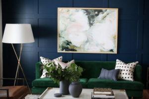 зеленый диван в интерьере 06.10.2019 №024 -green in the interior- design-foto.ru