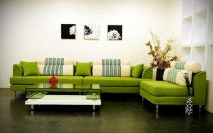 зеленый диван в интерьере 06.10.2019 №028 -green in the interior- design-foto.ru