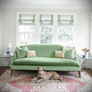 зеленый диван в интерьере 06.10.2019 №031 -green in the interior- design-foto.ru
