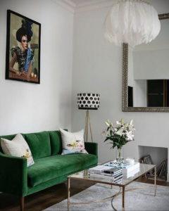 зеленый диван в интерьере 06.10.2019 №036 -green in the interior- design-foto.ru