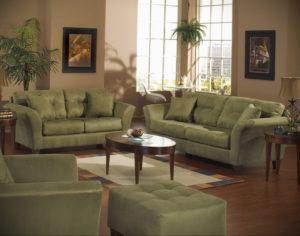 зеленый диван в интерьере 06.10.2019 №037 -green in the interior- design-foto.ru
