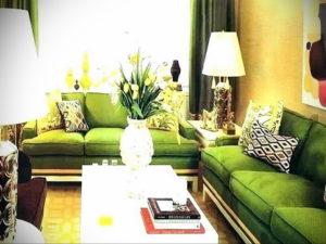 зеленый диван в интерьере 06.10.2019 №043 -green in the interior- design-foto.ru