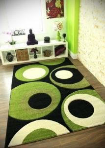 зеленый ковер в интерьере 06.10.2019 №035 -green in the interior- design-foto.ru