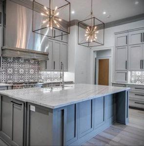 серый цвет в интерьере кухни 24.09.2019 №005 -gray interior- design-foto.ru