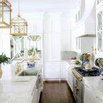 Фото Цветы в интерьере кухни от 26.09.2018 №058 - Flowers in the interior - design-foto.ru
