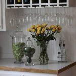 Фото Цветы в интерьере кухни от 26.09.2018 №083 - Flowers in the interior - design-foto.ru