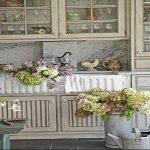 Фото Цветы в интерьере кухни от 26.09.2018 №087 - Flowers in the interior - design-foto.ru