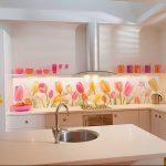 Фото Цветы в интерьере кухни от 26.09.2018 №096 - Flowers in the interior - design-foto.ru