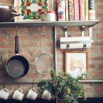 Фото Цветы в интерьере кухни от 26.09.2018 №114 - Flowers in the interior - design-foto.ru