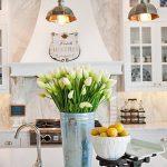 Фото Цветы в интерьере кухни от 26.09.2018 №219 - Flowers in the interior - design-foto.ru