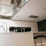 фото Интерьер современной кухни 21.01.2019 №403 - modern kitchen - design-foto.ru