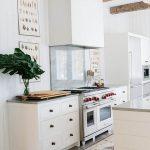 фото Интерьер современной кухни 21.01.2019 №410 - modern kitchen - design-foto.ru
